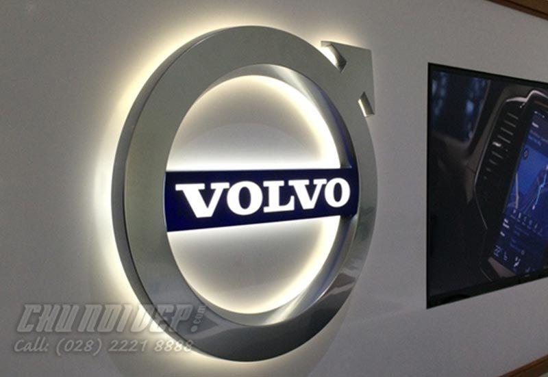 sản xuất logo xe hơi Volvo mạ crom