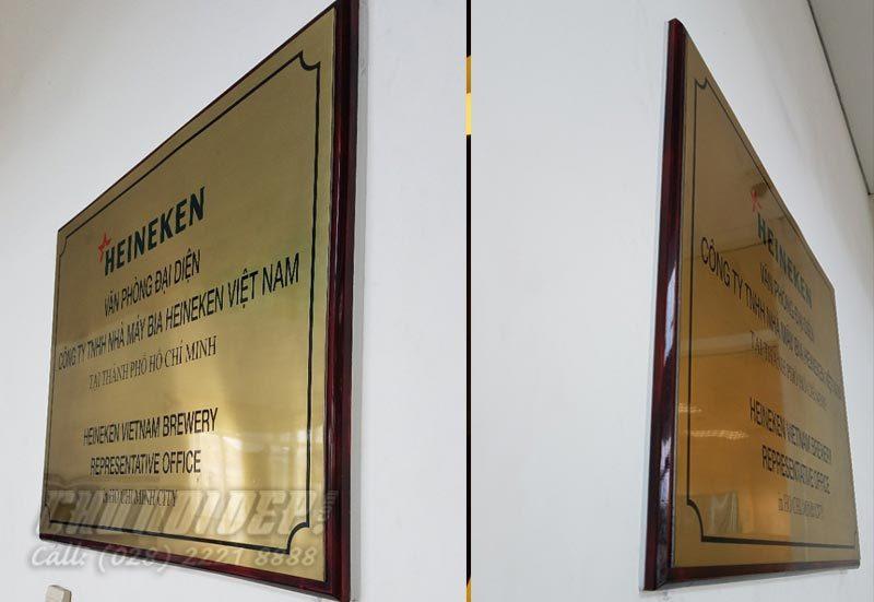 bảng tên công ty Heineken